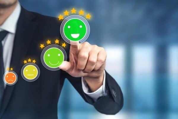 software para mejorar la experiencia del cliente en el sector Seguros